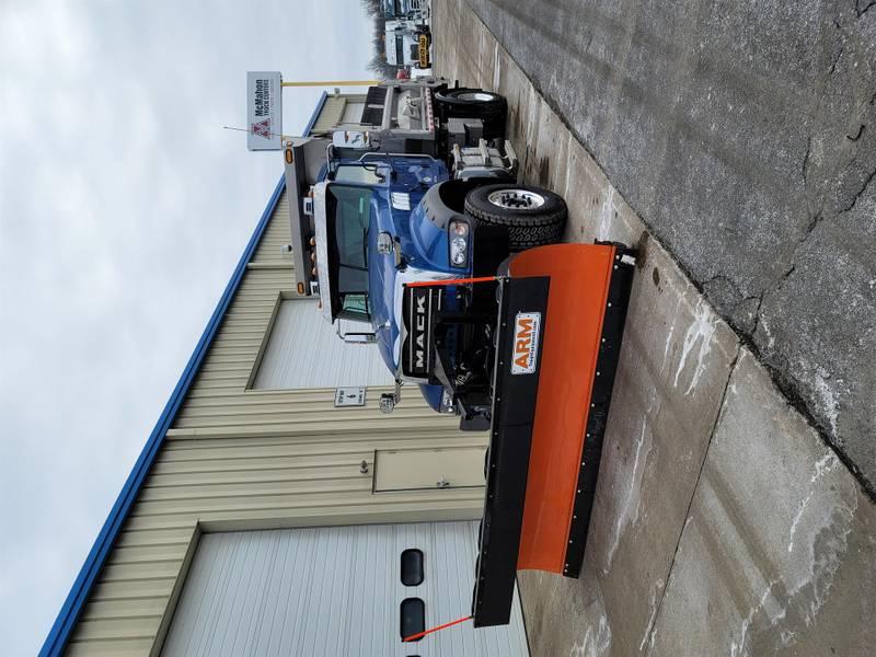 2021 Mack GRANITE GR42F Plow Truck