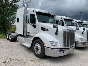 2017 Peterbilt 579 - Sleeper Truck