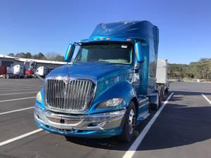 2011 International Pro Star - Sleeper Truck