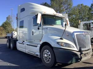 2015 International Pro Star - Sleeper Truck