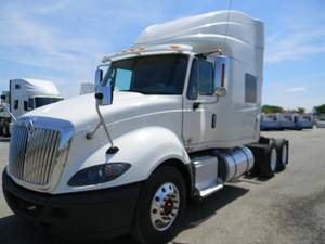 2016 International Prostar + 122 - Sleeper Truck