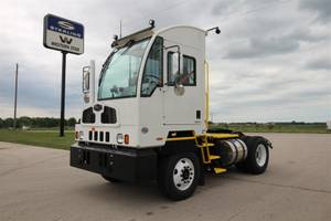 2022 Autocar ACTT42 - Yard Spotter
