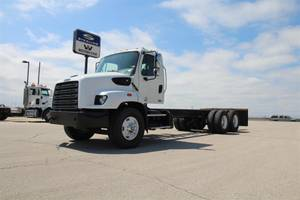 2015 Freightliner 114SD - Cab & Chassis