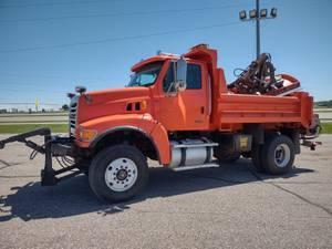 2005 Sterling L8500 - Snow Plow Truck