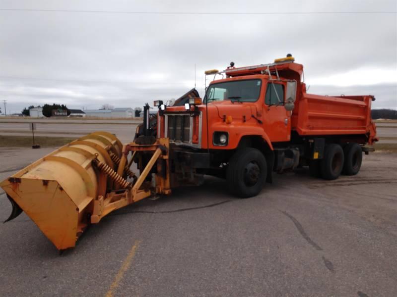 2002 International 2654 Plow Truck