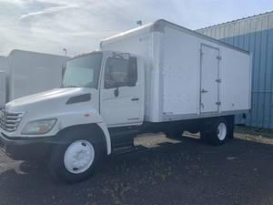 2007 Hino 238 - Box Truck