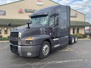 2022 Mack ANT64T - Sleeper Truck
