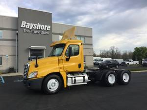 2011 Freightliner CASCADIA 125 - Day Cab