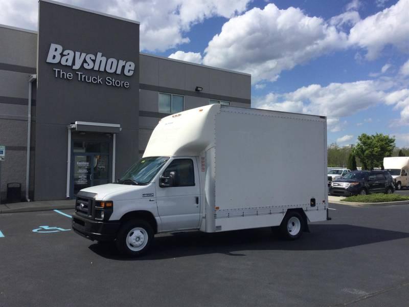 2015 Ford E350 Box Truck
