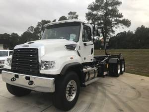 2020 Freightliner 114SD - Roll-Off