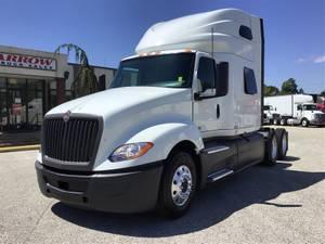 2018 International LT - Sleeper Truck