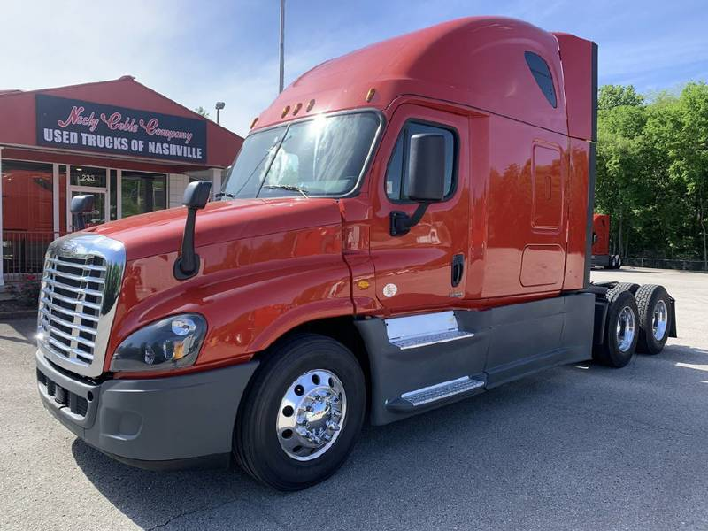 2018 Freightliner Cascadia Semi Truck