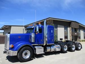 2014 Peterbilt 367 - Sleeper Truck