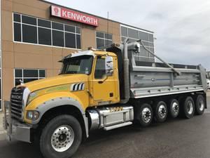 2015 Mack Granite - Dump Truck