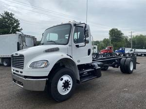 2015 Freightliner M2 - Cab & Chassis
