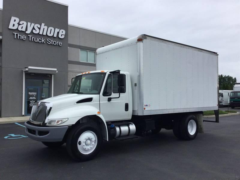 2016 International 4300 Box Truck