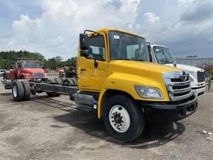 2019 Hino 268 - Box Truck