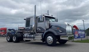 2019 Western Star 4900 FA - Sleeper Truck