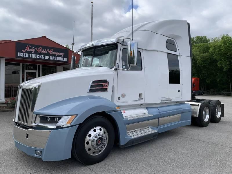 2019 Western Star 5700XE Semi Truck