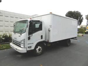 2013 Isuzu NPRHD GAS 16' R - Box Truck