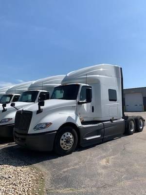 2019 International LT - Sleeper Truck