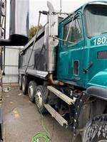 2000 Mack CL713 - Dump Truck