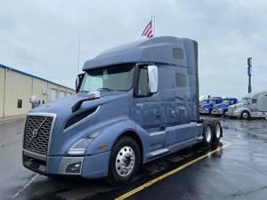 2020 Volvo VNL64T760 - Sleeper Truck