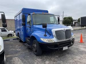 2008 International 4300 - Beverage Truck