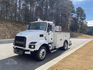 2022 Mack MD642 - Service Truck