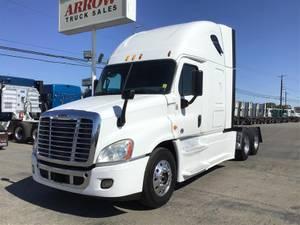 2014 Freightliner CA12562SLP - Sleeper Truck