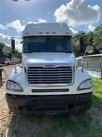 2006 Freightliner Columbia - Sleeper Truck