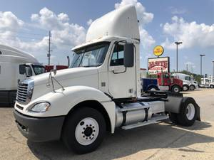 2006 Freightliner Columbia - Day Cab