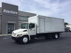 2006 Hino 338 - Box Truck