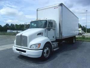 2017 Kenworth T270 26' MD VAN - Box Truck