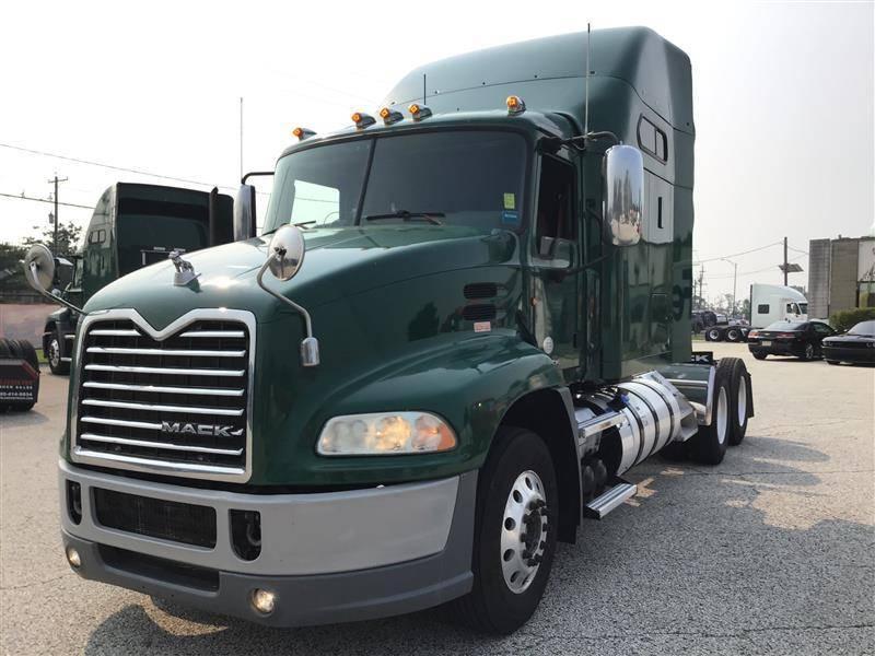 2015 Mack CXU613 Sleeper Truck