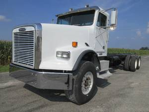 2003 Freightliner FLD120SD - Cab & Chassis