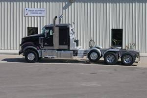2017 Mack TD713 Titan - Sleeper Truck