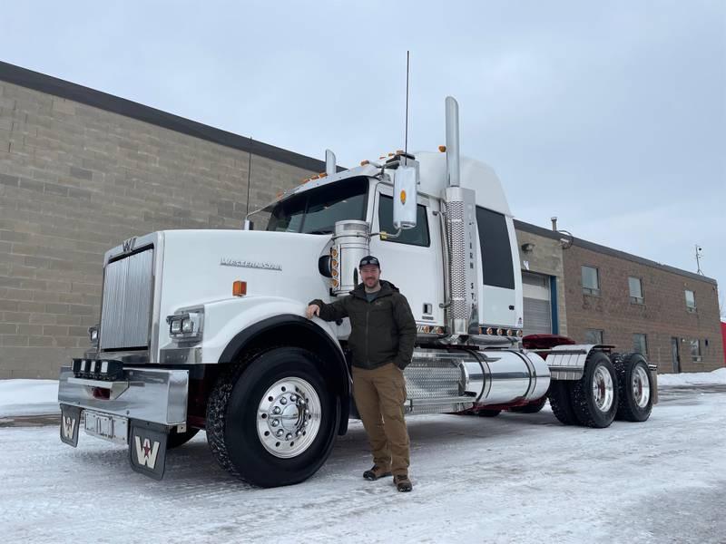 2019 Western Star 4900 FA Sleeper Truck