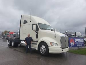 2013 Kenworth T700 - Sleeper Truck