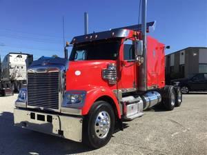 2016 Freightliner Coronado - Sleeper Truck