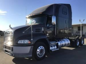 2017 Mack CXU613 - Sleeper Truck