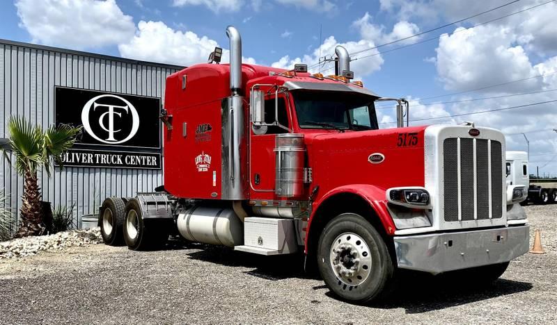 2009 Peterbilt 379 Sleeper Truck
