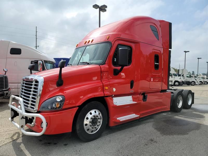 2016 Freightliner Cascadia Evolution Sleeper Truck