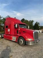 2013 Peterbilt 386 - Sleeper Truck