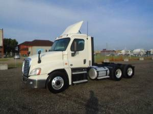 2017 Freightliner Cascadia - 125 - Day Cab